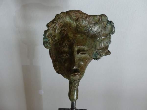 Tournus-13-10-2003-sculpture-argueyrolles