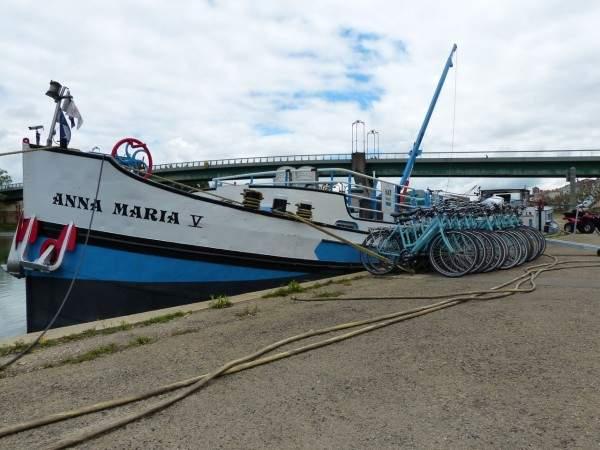 tournus navire touristique avec velos