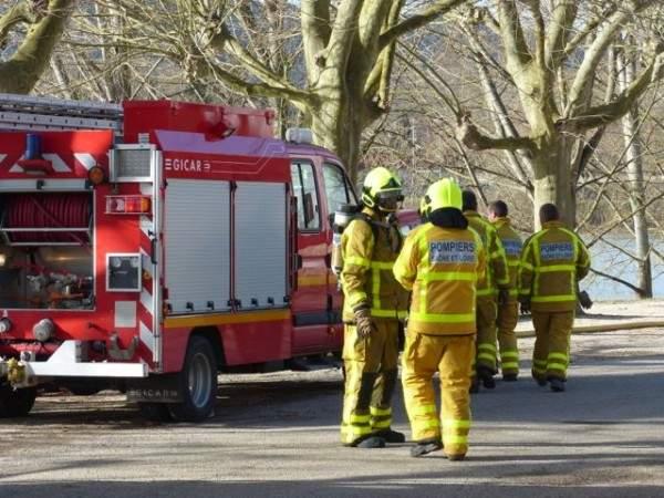 Pompiers à Tournus finissent les manœuvres