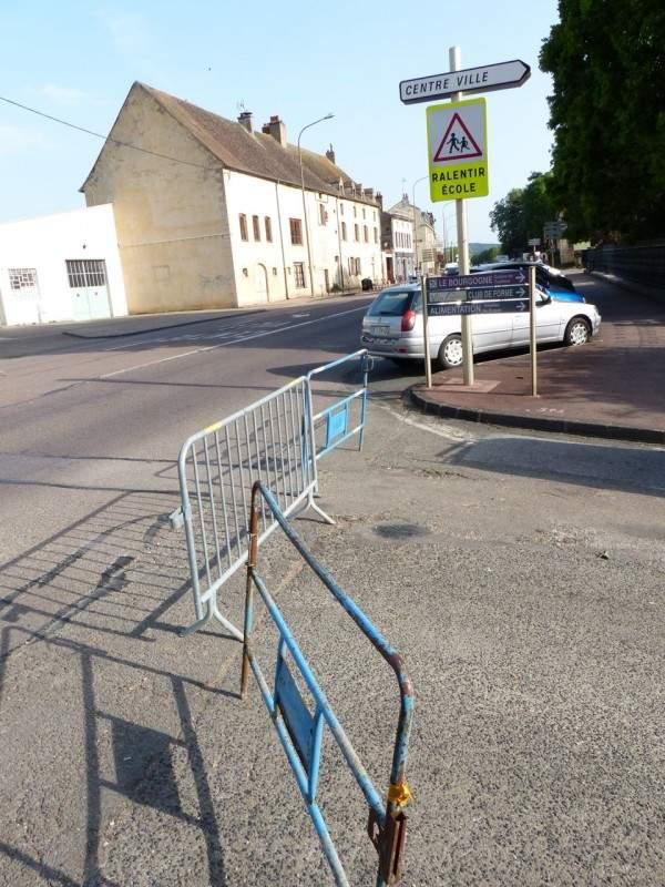 Travaux rue docteur privey a bouge mais pas pour la circulation de tournus - Travaux sans autorisation ...