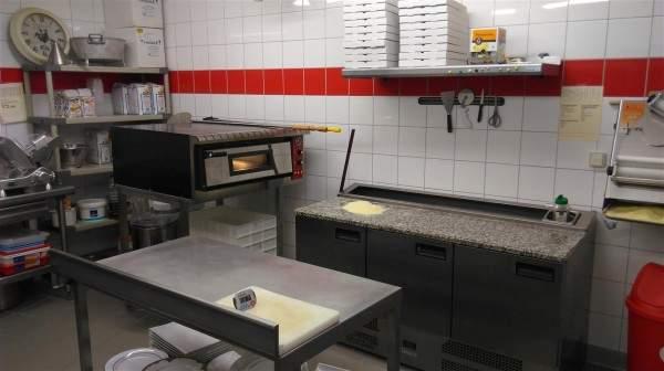 Les Arcades : ...de même que l'espace pizzeria.