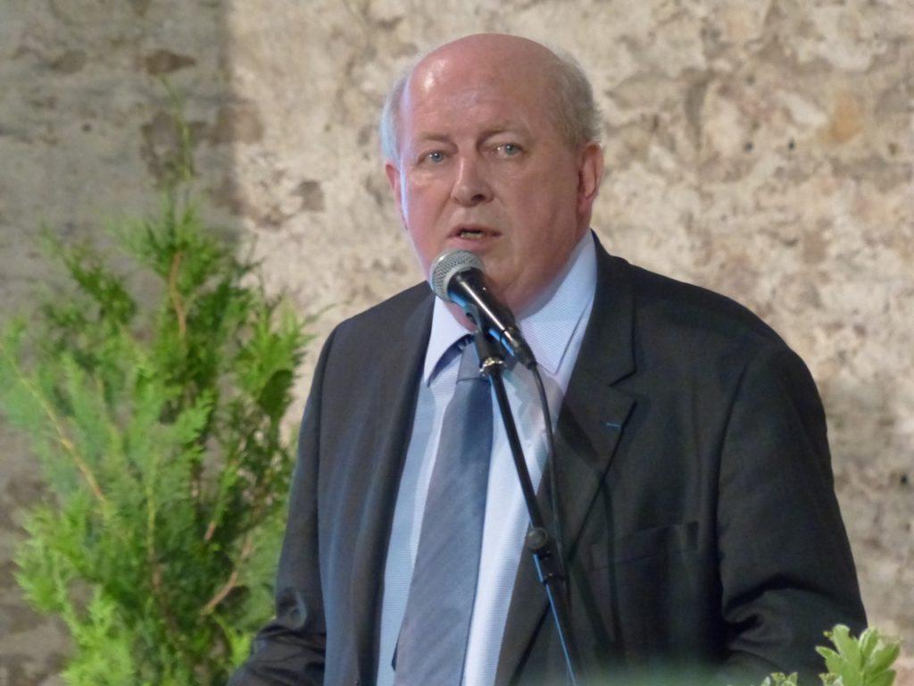 la maire parle du dévellopement de Tournus